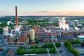Grupa Mayr-Melnhof podpisała umowę przejęcia całego kapitału zakładowego Kotkamills Group Oyj od jej udziałowców. Wartość przejęcia szacowana jest na ok. 425 mln euro. Transakcja podlega zwyczajowym warunkom zakończenia i zatwierdzeniu przez organy regulacyjne. Zamknięcie transakcji spodziewane jest do połowy 2021 r. Planowane przejęcie wzmocni pozycję Mayr-Melnhof na rynku produkcji kartonów z włókien pierwotnych.  Zintegrowana papiernia zlokalizowana w Kotka w południowej Finlandii posiada uruchomioną w 2