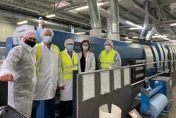 Nowa 7-kolorowa Rapida 106 firmy Koenig & Bauer w drukarni Akomex