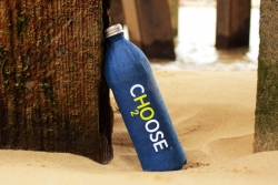choose water - butelka z papieru