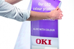 Rok darmowego drukowania monochromatycznego z OKI