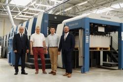 Nowa wielkoformatowa maszyna Koenig & Bauer z wieżą lakierującą w Royalpack