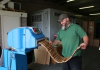 Papierowe podkładki WrapPak® Protector chronią dostawy karmy dla psów