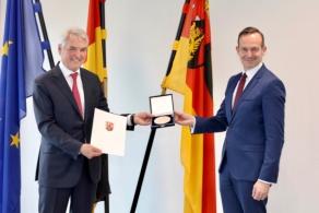 Założyciel Progroup Jürgen Heindl otrzymuje medal gospodarczy kraju związkowego Nadrenia-Palatynat