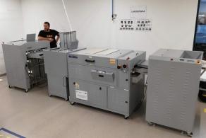 Lakierówka Print Flood 200 w drukarni Cyfrowa Foto