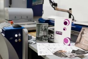 PrintONE – od wizytówki po artystyczną książkę, czyli pierwsze w Polsce wdrożenie urządzania MGI Jetvarnish 3D One